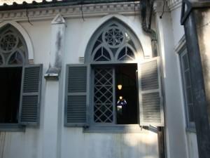 大浦天主堂側面ステンド