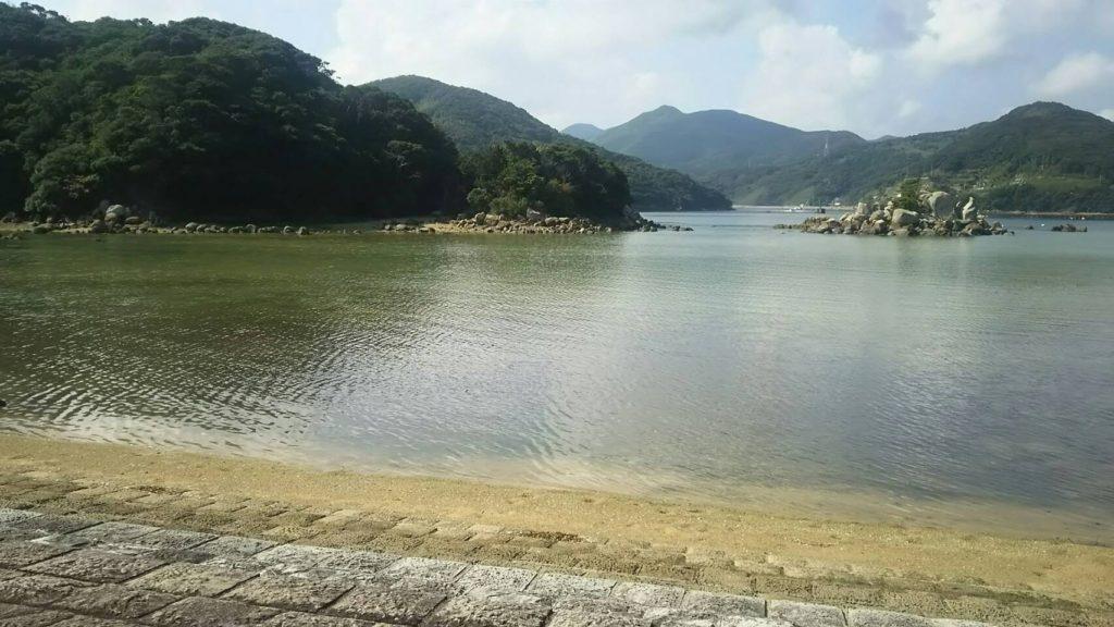 堂崎教会の目の前の入江